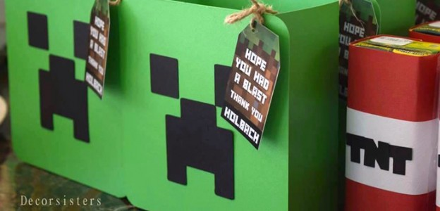 Creeper Favor Bags/Boxes from a Minecraft Birthday Party via Kara's Party Ideas | KarasPartyIdeas.com (2)