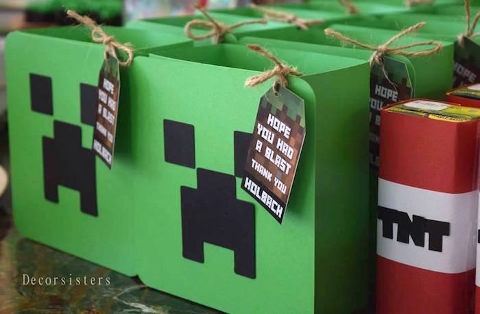 Creeper Favor Boxes from a Minecraft Birthday Party via Karau0027s Party Ideas | KarasPartyIdeas.com & Karau0027s Party Ideas Creeper Favor Boxes from a Minecraft Birthday ... Aboutintivar.Com