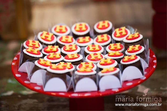 Sweets from a Minnie Mouse Birthday Party via Kara's Party Ideas | KarasPartyIdeas.com (18)