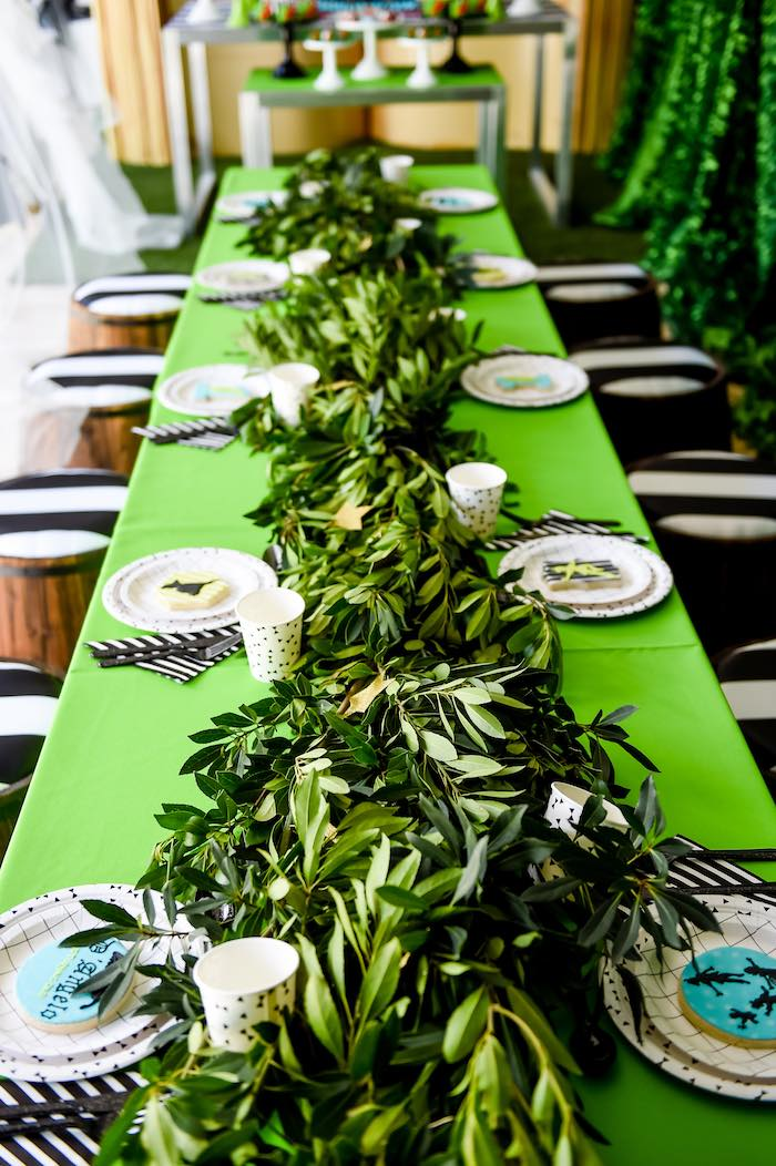 Kara S Party Ideas Dining Tablescape From A Modern