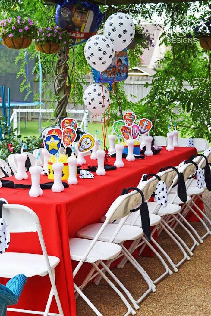Kid's Table from a Paw Patrol Birthday Party via Kara's Party Ideas | KarasPartyIdeas.com (26)