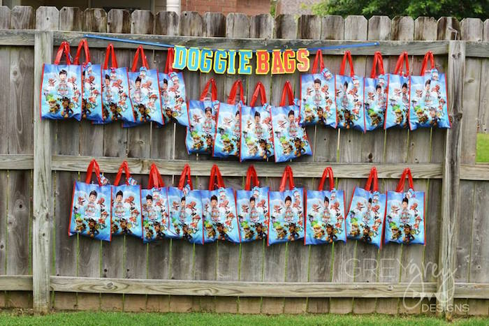 Doggie Bags from a Paw Patrol Birthday Party via Kara's Party Ideas | KarasPartyIdeas.com (21)