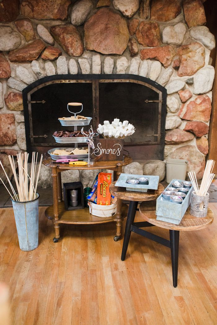 kara u0026 39 s party ideas s u0026 39 mores station from a rustic camping
