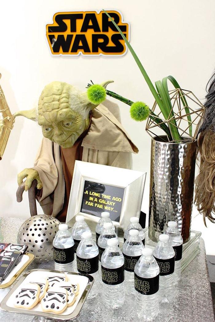 Sweets + Drinks + Decor from a Star Wars Birthday Party via Kara's Party Ideas | KarasPartyIdeas.com (14)
