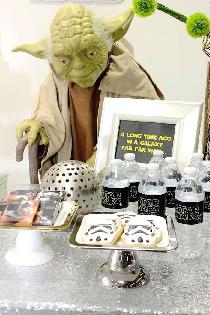 Yoda + Favors + Decor from a Star Wars Birthday Party via Kara's Party Ideas | KarasPartyIdeas.com (12)