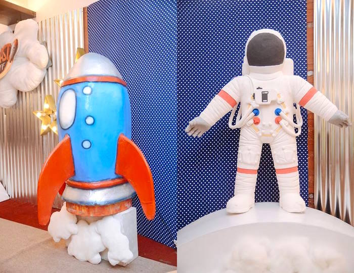 Rocket Ship + Astronaut from an Astronaut + Rocket Ship Birthday Party via Kara's Party Ideas KarasPartyIdeas.com (7)