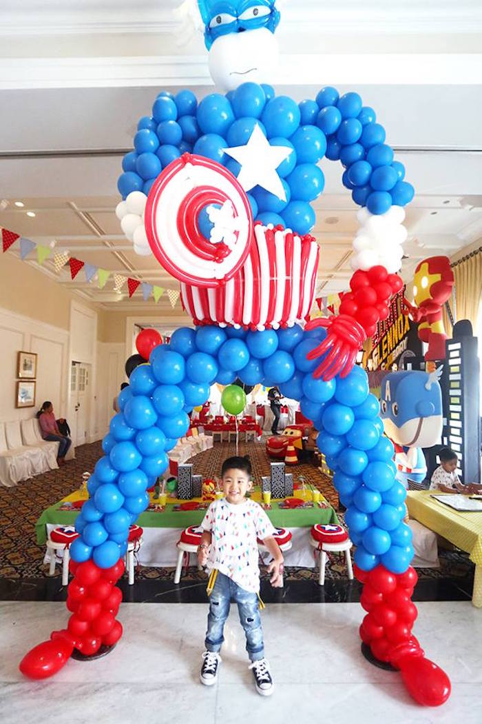 Kara 39 s party ideas cars and avengers joint birthday party for Balloon decoration cars theme