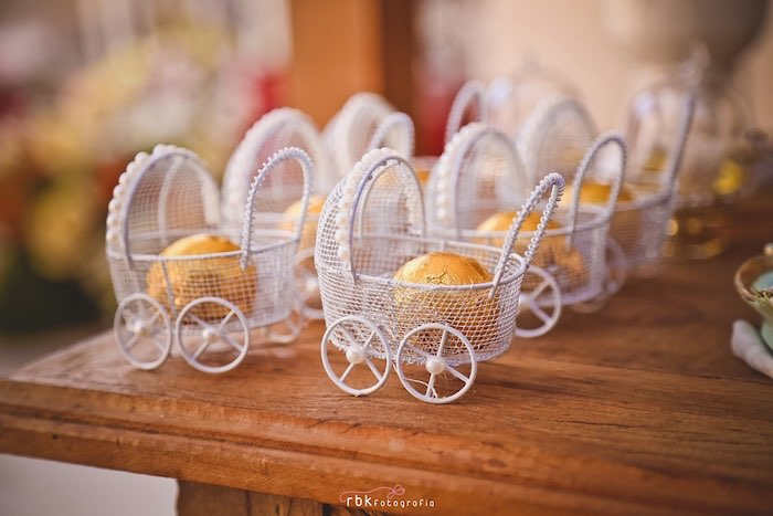 baby carriage favors from a little lamb baby shower via karau0027s party ideas