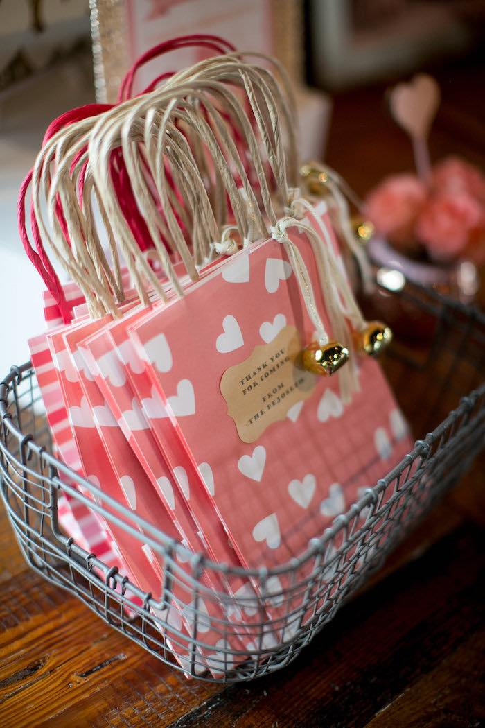 Kara S Party Ideas Pink Amp Coral Heart Themed Valentines