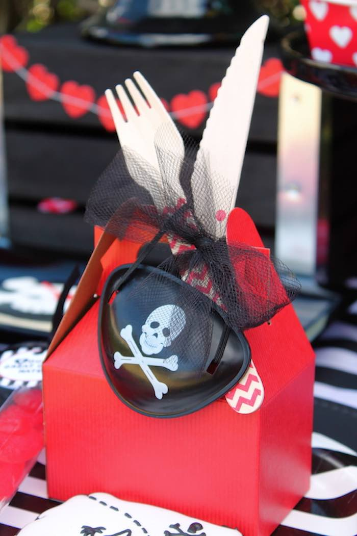 Gable Lunch Box from a Pirate Themed Valentine Party via Kara's Party Ideas KarasPartyIdeas.com (9)