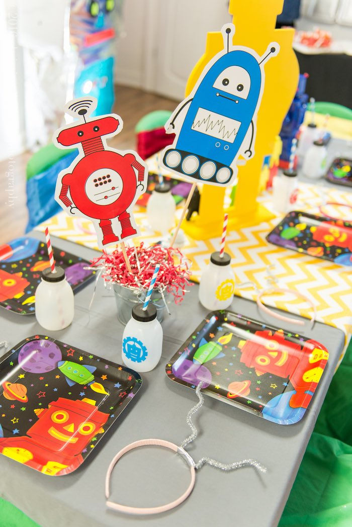 Guest Tabletop from a Robot Birthday Party via Kara's Party Ideas | KarasPartyIdeas.com | The Place for All Things Party! (25)