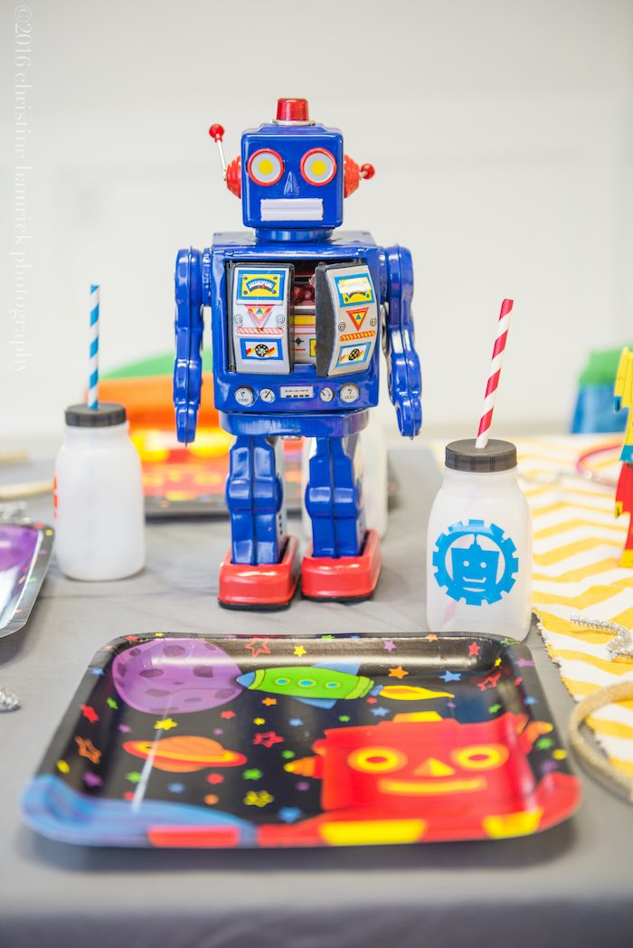 Place Setting from a Robot Birthday Party via Kara's Party Ideas | KarasPartyIdeas.com | The Place for All Things Party! (24)