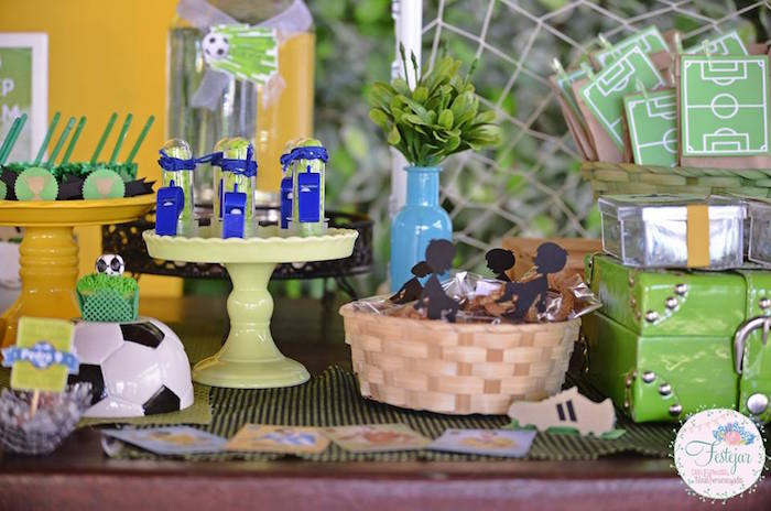 Favors + Sweets from a Soccer Themed Birthday Party via Kara's Party Ideas | KarasPartyIdeas.com | The Place for All Things Party! (16)
