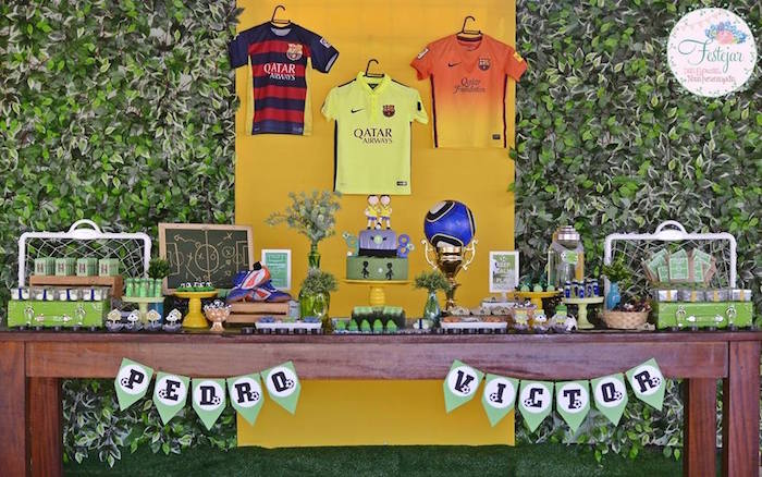Head Table from a Soccer Themed Birthday Party via Kara's Party Ideas | KarasPartyIdeas.com | The Place for All Things Party! (11)