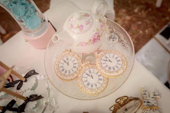 Details from an Alice in Wonderland Tea Party via Kara's Party Ideas   KarasPartyIdeas.com (6)