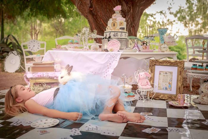 Kara S Party Ideas Alice In Wonderland Tea Party Mad