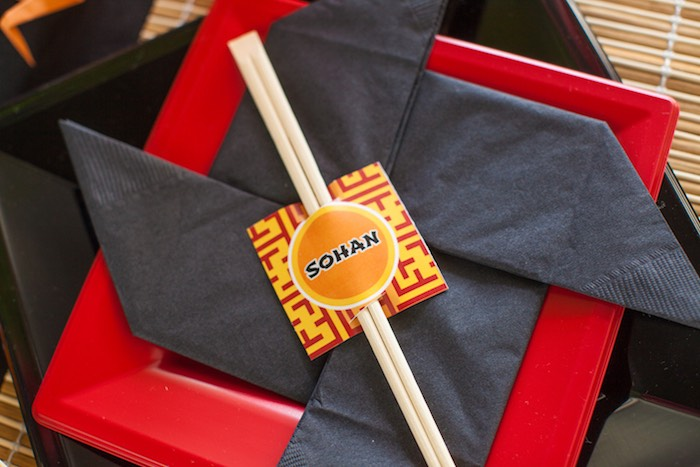 Shuriken + Throwing Star Napkin from a Japanese Inspired Ninja Party via Kara's Party Ideas KarasPartyIdeas.com (12)
