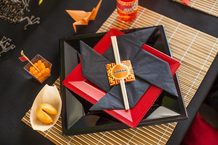 Place Setting from a Japanese Inspired Ninja Party via Kara's Party Ideas KarasPartyIdeas.com (5)