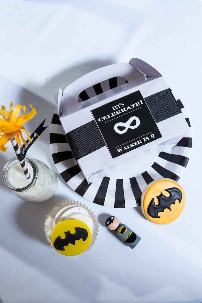 Batman Place Setting from a Modern Justice League Birthday Party via Kara's Party Ideas KarasPartyIdeas.com (25)
