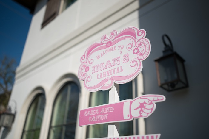 Directional Sign from a Pink Carousel Birthday Party via Kara's Party Ideas! KarasPartyIdeas.com (32)