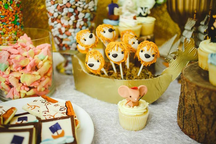 Lion + Aslan Cake Pops from a Prince Caspian Themed Birthday Party via Kara's Party Ideas | The Place for All Things Party! KarasPartyIdeas.com (40)