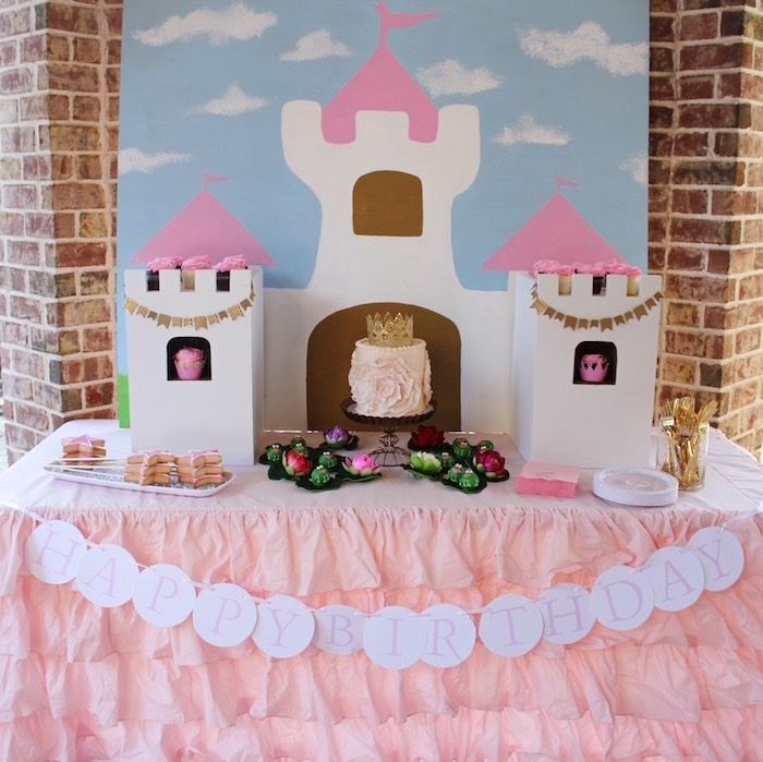 Head Table from a Princess Birthday Party via Kara's Party Ideas | KarasPartyIdeas.com (13)