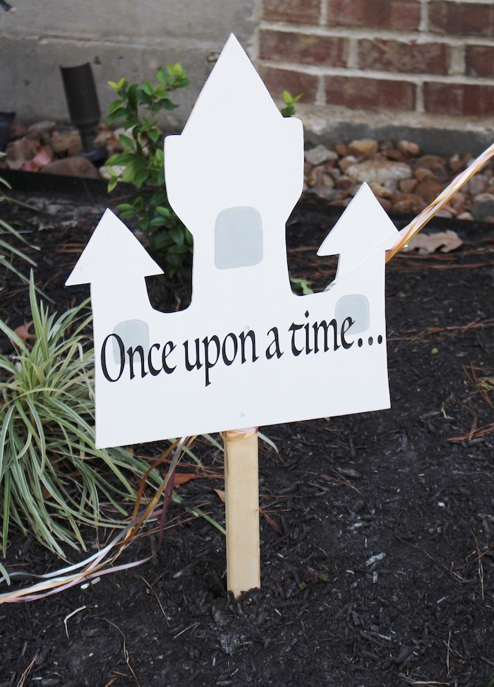Castle Sign from a Princess Birthday Party via Kara's Party Ideas | KarasPartyIdeas.com (10)