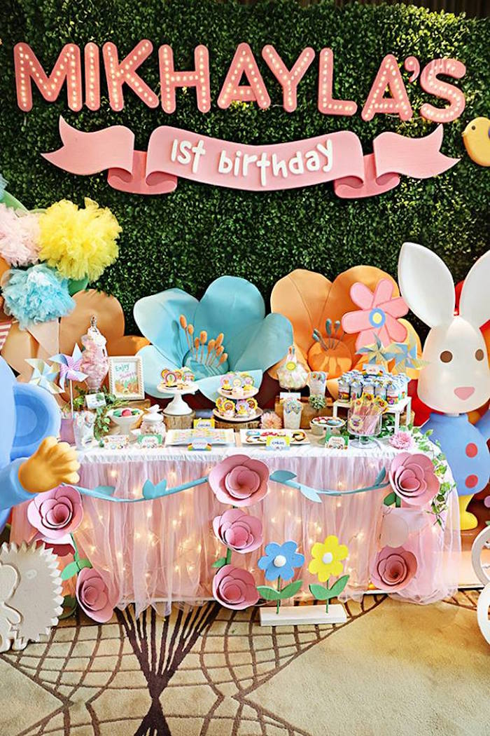 Head Table from a Sunny Garden 1st Birthday Party via Kara's Party Ideas | The Place for All Things Party! KarasPartyIdeas.com (4)