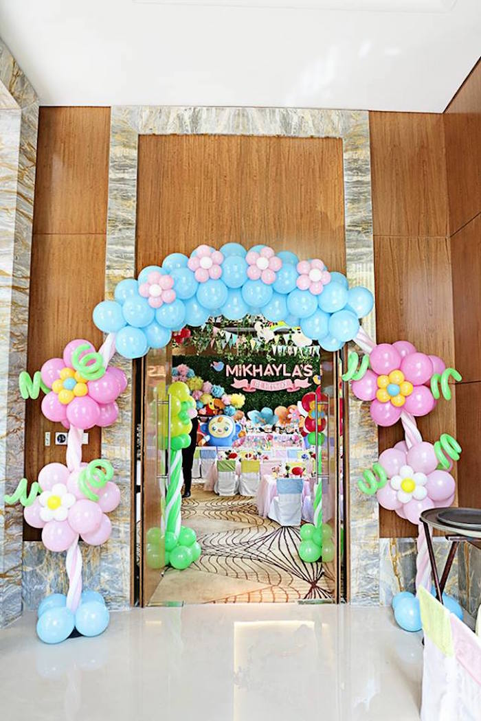 Floral Balloon Arch + Entrance to a Sunny Garden 1st Birthday Party via Kara's Party Ideas | The Place for All Things Party! KarasPartyIdeas.com (11)