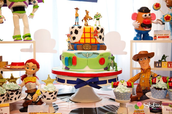 158517a725268 Cake + Sweets + Decor from a Toy Story Themed Birthday Party via Kara s Party  Ideas