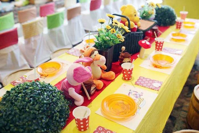 Guest Tablescape from a Winnie the Pooh Themed Birthday Party via Kara's Party Ideas! KarasPartyIdeas.com (24)