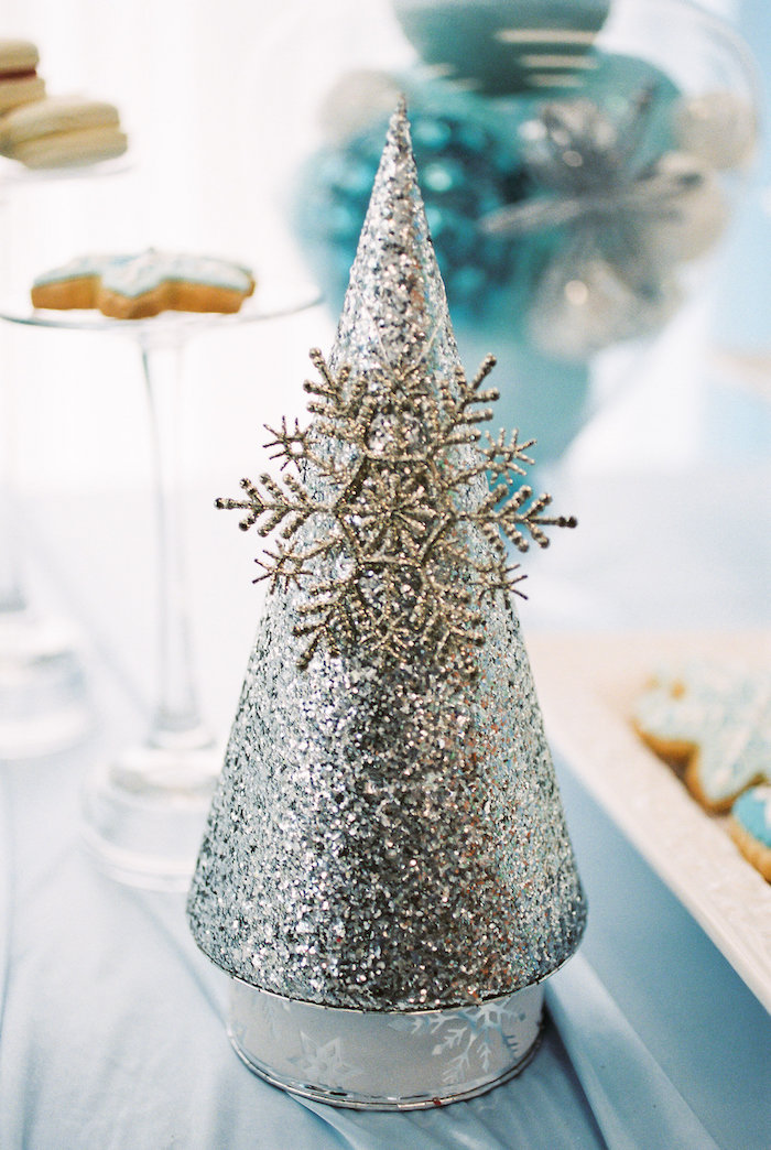 Decor from a Winter ONEderland Birthday Party via Kara's Party Ideas KarasPartyIdeas.com (11)