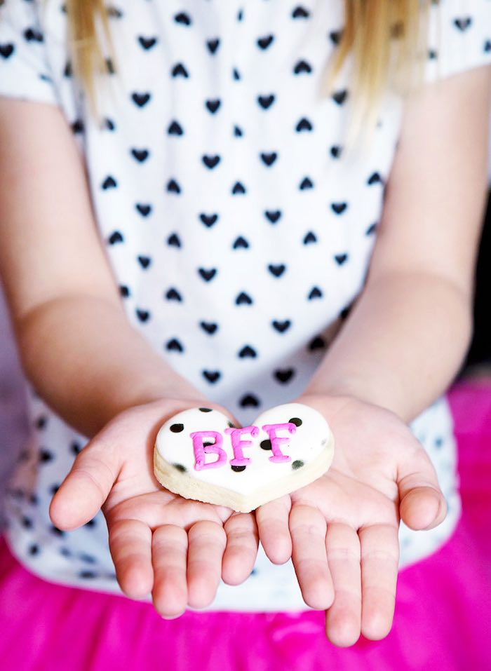 Cookie from an American Girl Doll BFF Party: Inspired by Kate Spade via Kara's Party Ideas | KarasPartyIdeas.com (17)