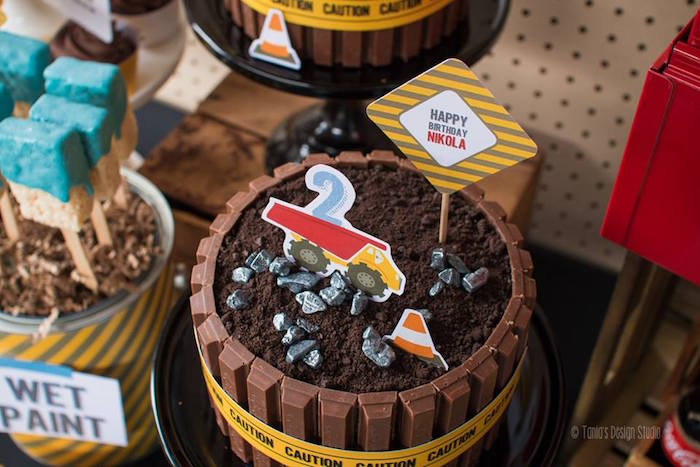 Top of Cake from a Construction Birthday Party via Kara's Party Ideas! KarasPartyIdeas.com (18)