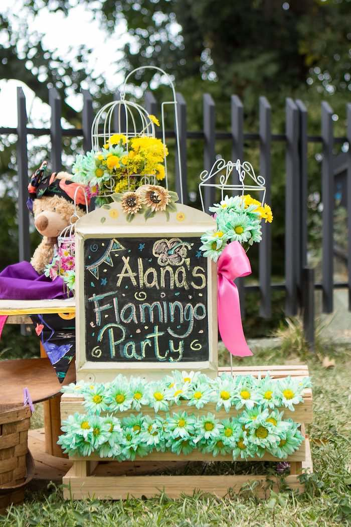 Good Chalkboard Sign + Decor From A Flamingo Garden Party Via Karau0027s Party Ideas    KarasPartyIdeas. Great Pictures