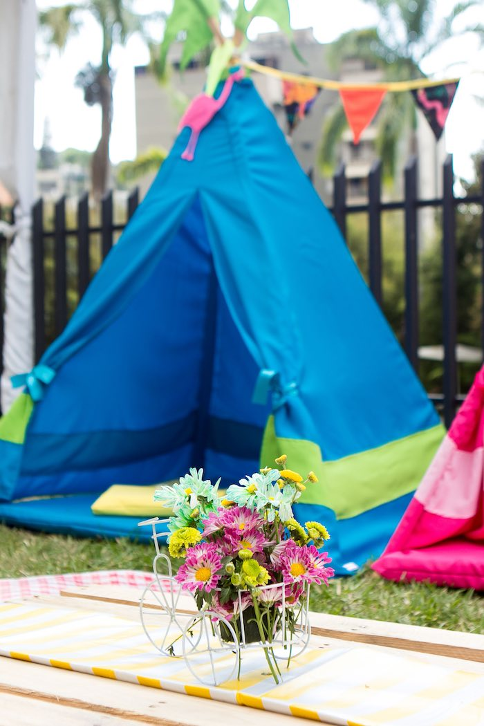 Centerpiece from a Teepee from a Flamingo Garden Party via Kara's Party Ideas - KarasPartyIdeas.com (10)