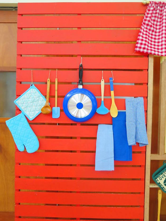 Kitchen Wall Pallet + Backdrop from a Little Chef Birthday Party via Kara's Party Ideas! KarasPartyIdeas.com (13)