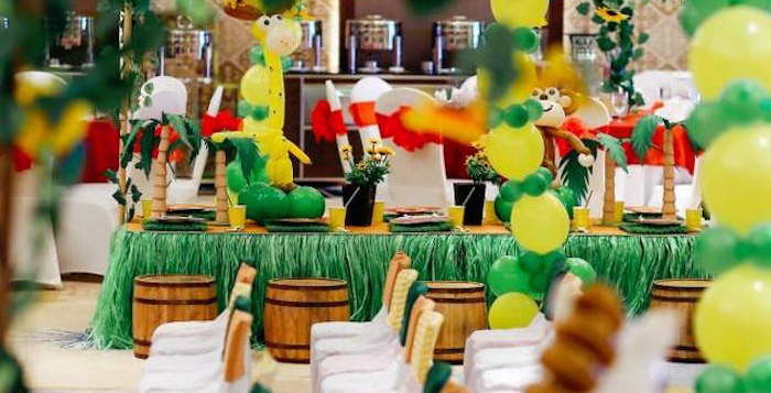 Guest Tablescape From A Madagascar Birthday Party Via Karas Ideas KarasPartyIdeas 3