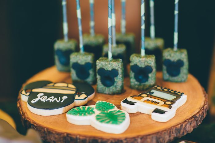 Cookies + Sweets from a Safari Birthday Party via Kara's Party Ideas | KarasPartyIdeas.com (41)