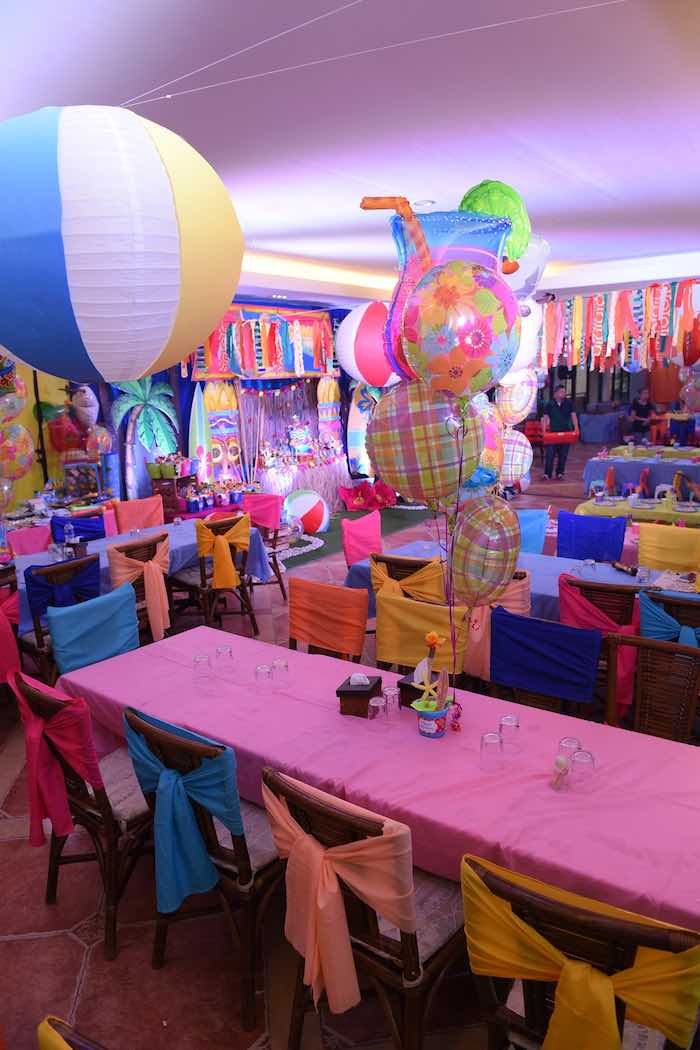 Guest Tables from an Olaf's Tropical Summer Birthday Party via Kara's Party Ideas | KarasPartyIdeas.com | The Place for All Things Party! (9)
