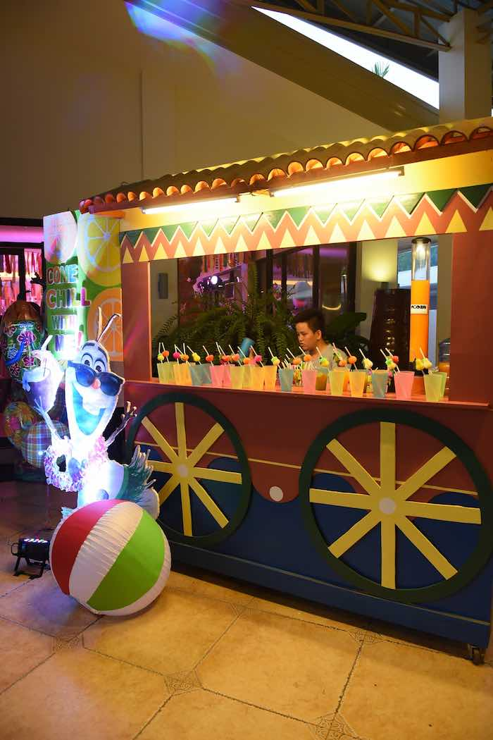 Drink Bar from an Olaf's Tropical Summer Birthday Party via Kara's Party Ideas | KarasPartyIdeas.com | The Place for All Things Party! (4)