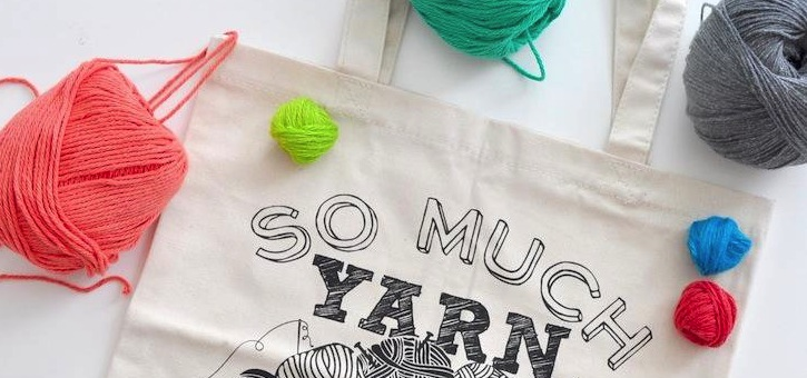 Yarn tote DIY mother's day gift idea via Kara's Party Ideas | KarasPartyIdeas.com #michaelsmakers 1