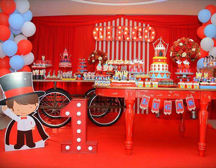 Party Setup Display From A Circus Birthday Via Kara S Ideas Karaspartyideas