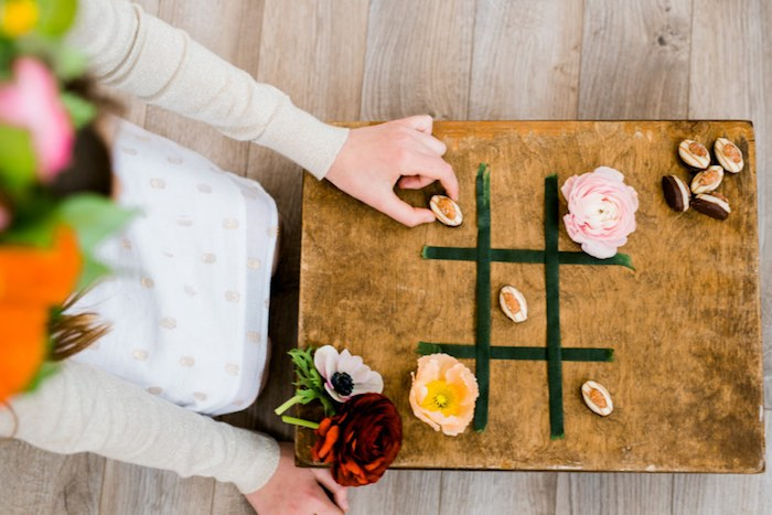 Tic-Tac-Toe Game from a Flower Crown Crafting Party via Kara's Party Ideas | KarasPartyIdeas.com (5)