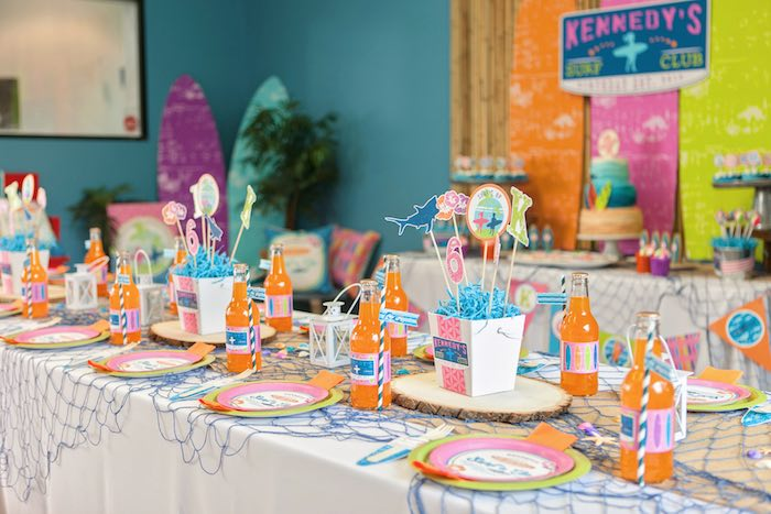 Guest Tabletop from a Girly Surfing Party via Kara's Party Ideas | The Place for All Things Party! KarasPartyIdeas.com (32)