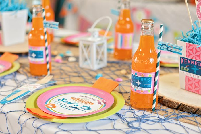Place Setting + Guest Table Details from a Girly Surfing Party via Kara's Party Ideas | The Place for All Things Party! KarasPartyIdeas.com (31)