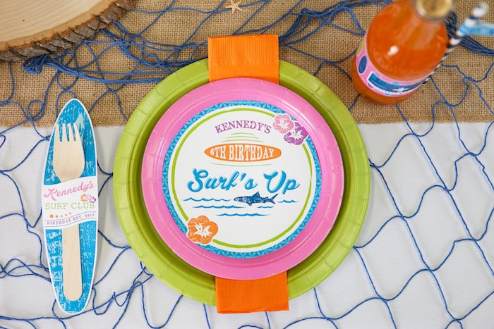 Place Setting from a Girly Surfing Party via Kara's Party Ideas | The Place for All Things Party! KarasPartyIdeas.com (28)