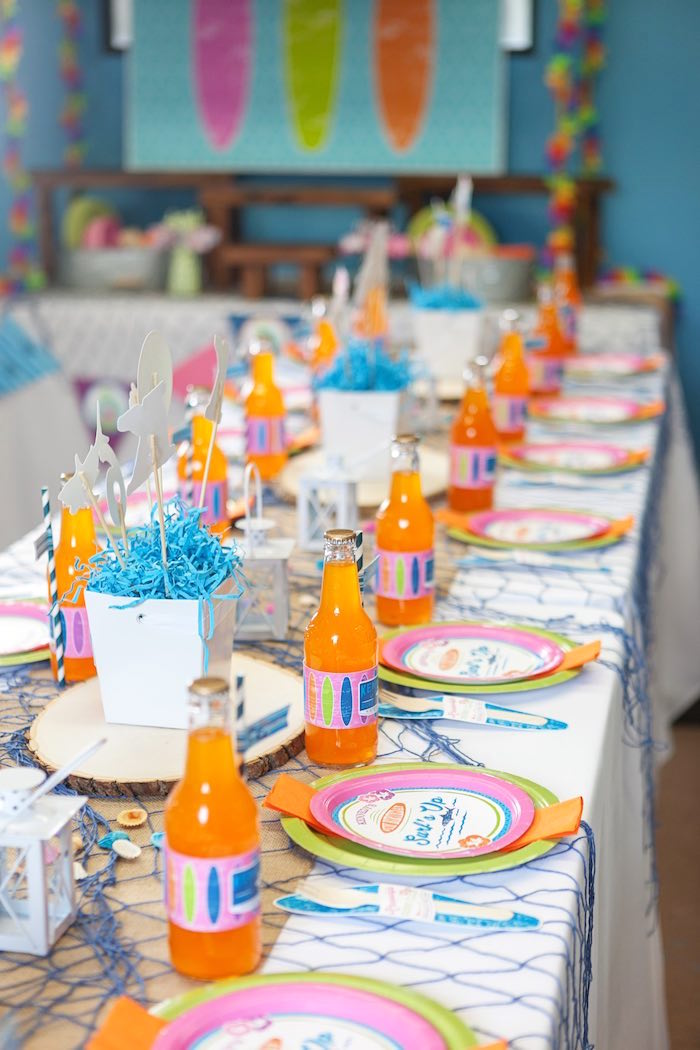 Guest Tablescape from a Girly Surfing Party via Kara's Party Ideas | The Place for All Things Party! KarasPartyIdeas.com (26)