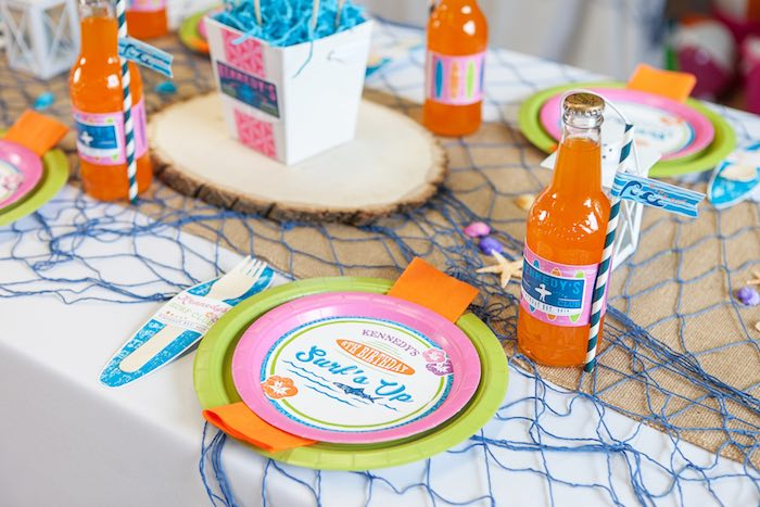 Place Setting from a Girly Surfing Party via Kara's Party Ideas | The Place for All Things Party! KarasPartyIdeas.com (25)