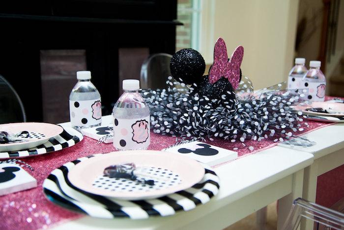 Guest Tablescape from a Glamorous Minnie Mouse Birthday Party via Kara's Party Ideas KarasPartyIdeas.com (11)